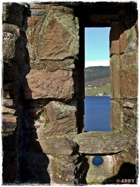 LochNess-CastleUrquhart