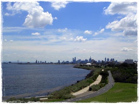 Melbourne Skyline (from Elwood)